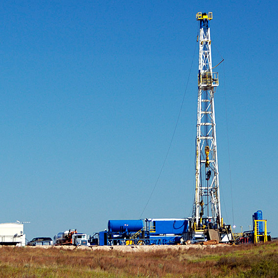 field-services-oil-drilling-thumb